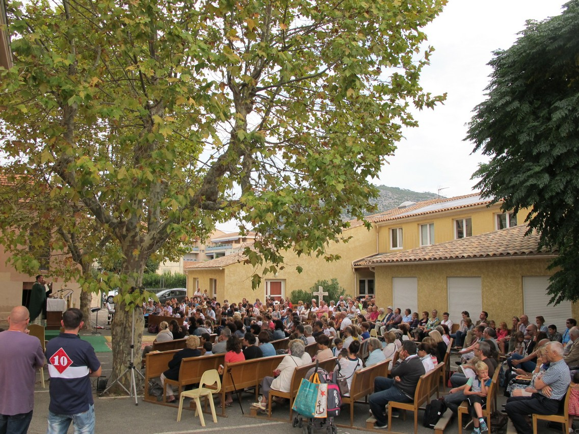 Messe septembre en plein air